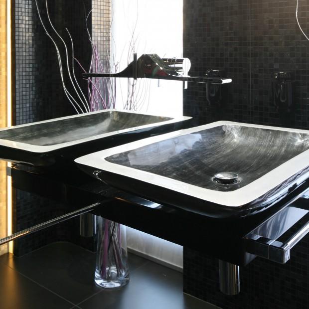 Łazienka w klubowym klimacie. Zastosowanie mozaiki we wnętrzu
