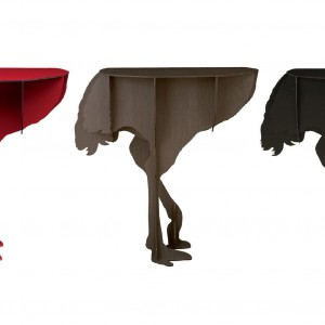 Konsola-stolik Diva w kształcie strusia zaprojektowany przez twórcze biuro projektowe Ibride. Fot. Ibride.