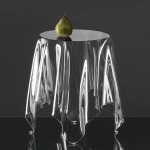 Stolik Illusion Table duńskiej marki Essey. Fot. Essey.