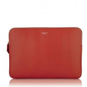 Czerwona torba na laptopa. Fot. Radley.