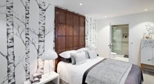 Wzorzysta tapeta, cegła , drewno? Pomysłów na aranżację ściany za łóżkiem jest mnóstwo, zapraszamy do obejrzenia przykładów sypialni, które mogą stać się inspiracją.
