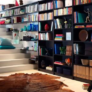 Miejsce na przechowywanie wykorzystane do maksimum. Każda dodatkowa powierzchnia jest na wagę złota. Fot. IKEA.