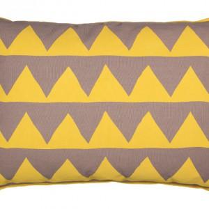 Bawełniana poduszka w żółte trójkąty. Fot.Broste Copenhagen.
