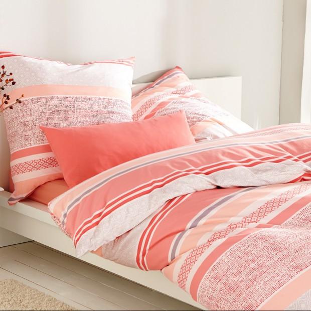 Kolorowe, kwieciste tkaniny do sypialni