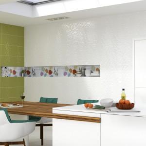 Płytki ścienne z serii Acces firmy Aparici. Kolor biały i limonkowy tworzą ciekawe, nowoczesne zestawienie. Fot. Aparici.