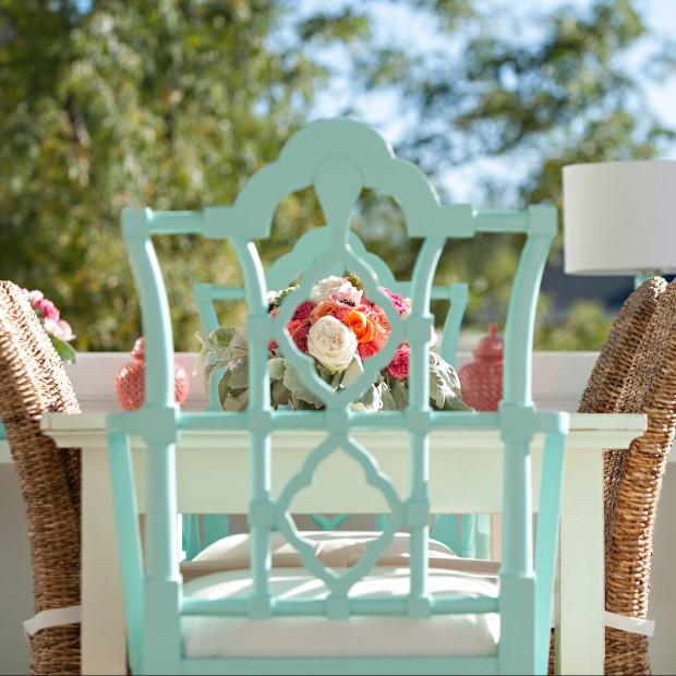 Kolorowe krzesła do ogrodu. Pomaluj je sam!