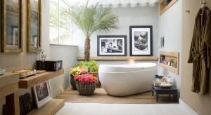 Bez względu na metraż pomieszczenia, kluczową kwestią przy projektowaniu wnętrza jest zapewnienie wygody użytkowania. Podpowiadamy, jak samodzielnie rozplanować wyposażenie łazienki, by była funkcjonalna i komfortowa.