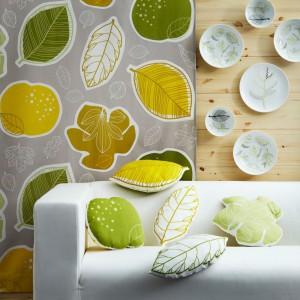 Z kolorowej tkaniny Gurine możemy uszyć ciekawe poduszki. Fot.Ikea.