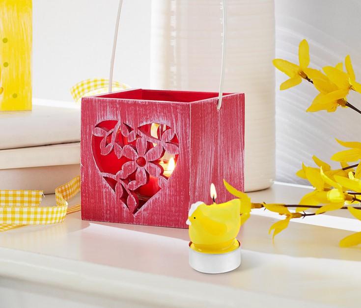 Wielkanocne świeczki dostępne w czterech kolorach: żółtym, zielonym ,pomarańczowym i różowym. Fot.Tchibo.
