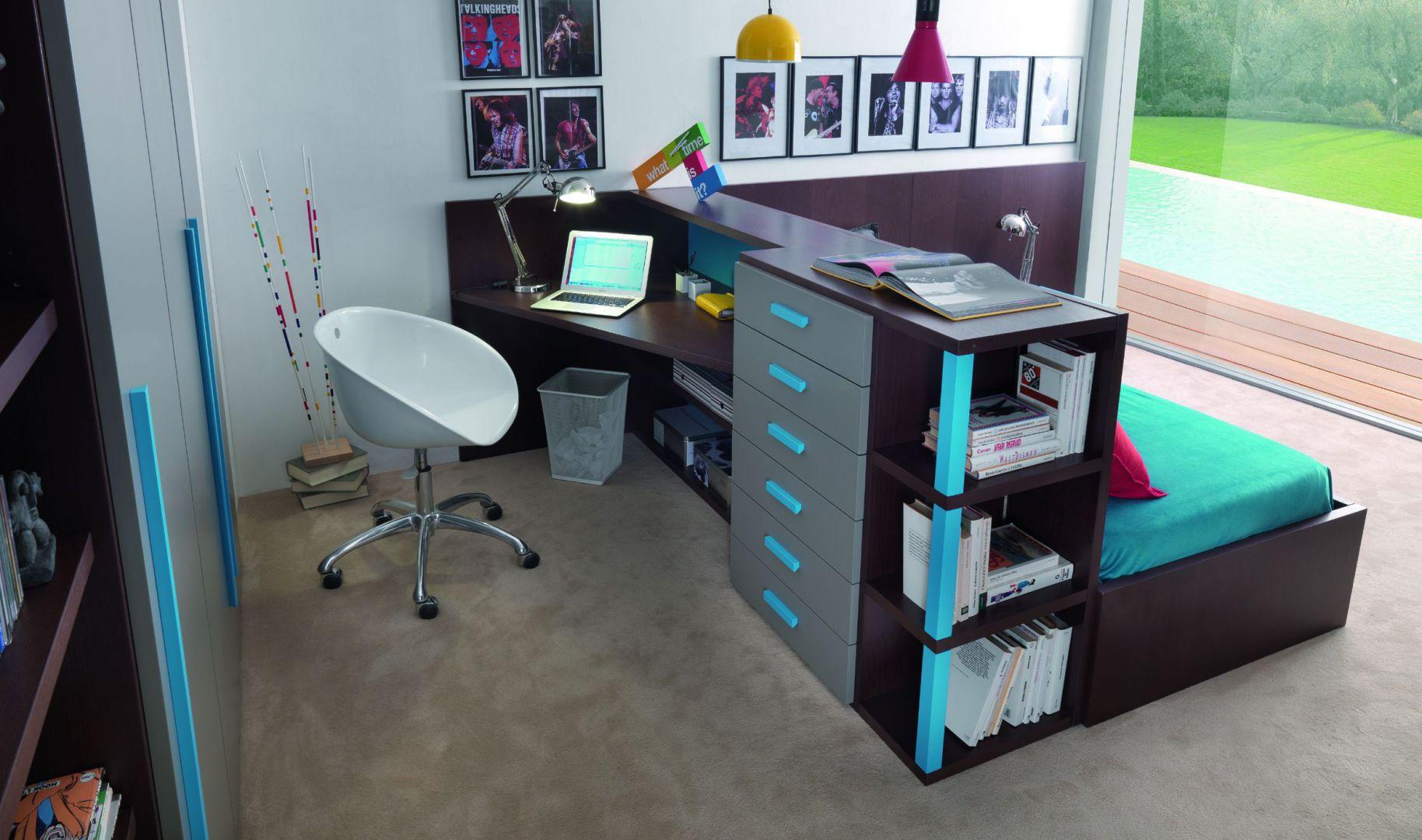 Kompaktowy zestaw mebli to znakomity sposób na zagospodarowanie niewielkiej przestrzeni. Fot. Dearkids.it.