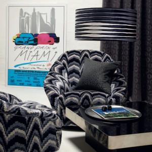Kolorowy plakat na ścianie to prosty sposób na ożywienie wystroju. Fot. Zinc Textile.