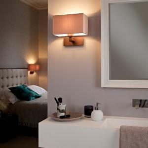 Kinkiety najczęściej stosowane w sypialni, dzięki zastosowaniu systemu uszczelniającego, może teraz stosować bez obaw także w łazience.