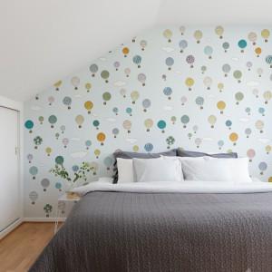 Pomysł na ścianę. Tapeta w sypialni: inspiracje, zdjęcia