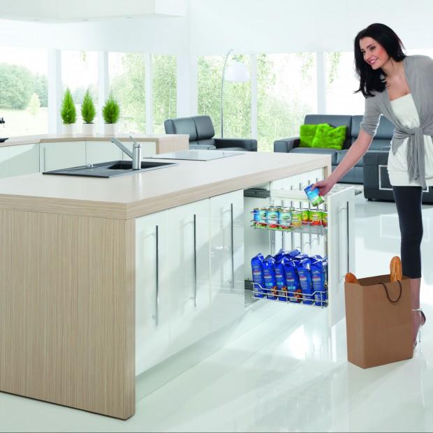 Przechowywanie w kuchni: szafki, półki, szuflady. 15 sprawdzonych pomysłów
