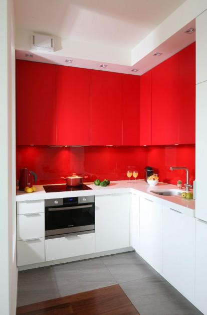 Lakierowane szkło między Trzy kolory w jednym wnętrzu   -> Kuchnie Trzy Kolory