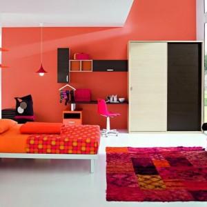 Czerwień doskonale komponuje się z innymi kolorami. Fot. ZG Group.