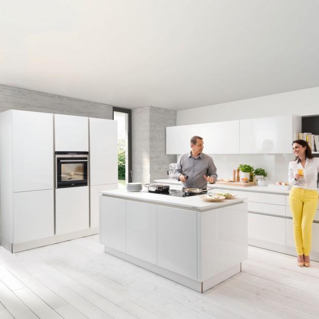 15 pomysłów na modną, białą kuchnię