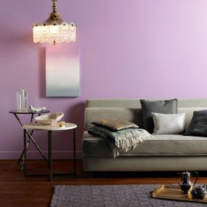 Propozycja marki Crown to pastelowy lawendowy fiolet. Fot. Farby Crown.