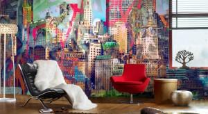 Myślisz, że tapety są staromodne? Udowadniamy, że jest inaczej. W naszej galerii znajdziesz kilkanaście wzorów tapet, które efektownie podkreślą nowoczesny styl pokoju dziennego.