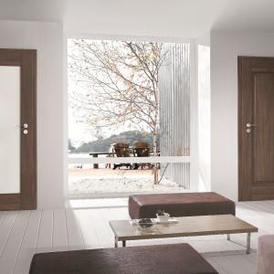 Drzwi Portasynchro 3D Porta, dąb szkarłatny. Fot. Porta.
