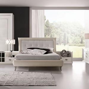 Łoże z systemu mebli do sypialni Today, który dzięki syntezie tradycji z nowoczesnością pozwoli stworzyć wnętrze o niezwykle eleganckim charakterze. Fot. Ferretti