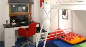Nawet z niewielkiego pomieszczenia można wyczarować wygodny i funkcjonalny pokój dla chłopca. Dowodzi tego projekt arch. Katarzyny Mikulskiej-Sękalskiej.