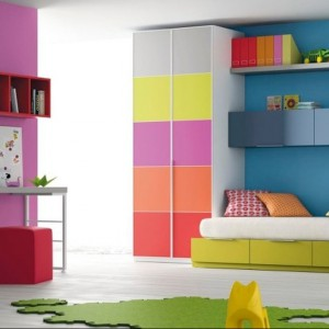 Intensywne kolory odzwierciedlają energię, jaka drzemie w maluchach. Fot. Muebles Lara.