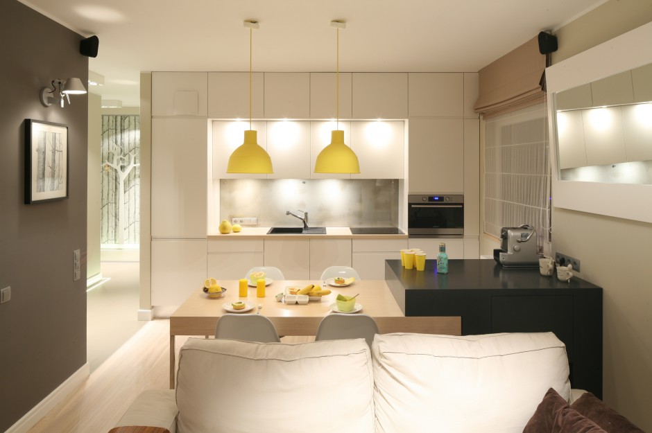 Kuchnię do salonu oddziela Mała kuchnia Zobaczcie   -> Mala Kuchnia Z Oknem Aranżacje