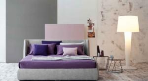 Marzysz o kolorowej sypialni, jednak boisz się, iż kolor zachwieje wypoczynkowym charakterem wnętrza? Może zamiast od razu przemalowywać ściany postaw na łóżko w kolorze. Czerwone, zielone czy niebieskie - na pewno zagwarantuje ono kolo