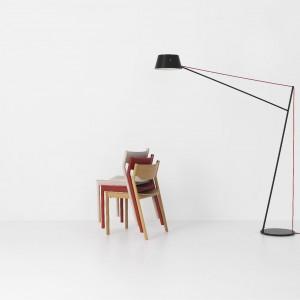 Tangerine chair w duecie z lampą Spar - nowości marki Resident. Fot. Resident.