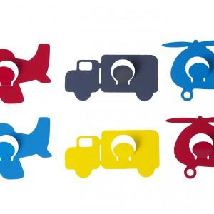 Kolorowe haczyki w kształcie środków transportu z pewnością spodobają się młodym miłośnikom motoryzacji. Na zamówienie, Present Time.