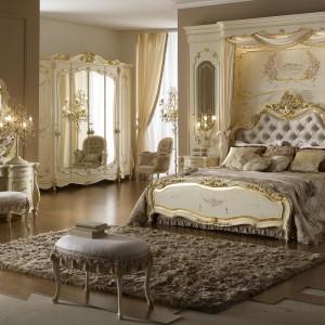 Zaprojektowana przez Ettore Tingali kolekcja mebli do sypialni Monnalisa odznacza się elegancją służącą funkcjonalności mebli. Wykwintne tkaniny podkreślają jej galanterię. Fot. Ghezzani