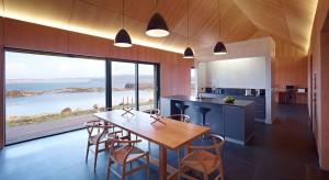 Właściciel domu chciał pod surowym szkockim niebem stworzyć wnętrze pełne spokoju, wyciszające i pozwalające wypocząć. A przy tym na wskroś nowoczesne!