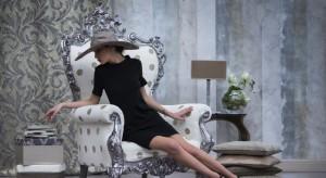 Dekoracyjny, elegancki fotel potrafi być prawdziwą ozdobą klasycznego wnętrza. Zobaczcie piękne, ozdobne fotele. Ciekawe, który z nich pasuje do waszego salonu?