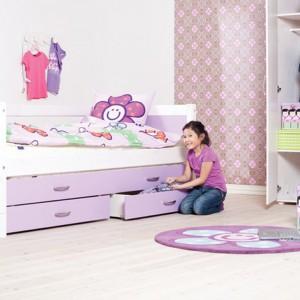 Po usunięciu dekoracji łóżko nadaje się nawet dla nastolatki. Fot. Scandikids