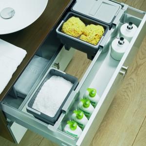 InnoTech marki Hettich to jedyne w swoim rodzaju możliwości różnicowania systemu szuflad w obrębie jednej platformy: profile dekoracyjne, relingi, DesignSide, TopSide, organizacje wewnętrzne. Częściowy lub pełen wysuw, obciążenie do 70 kg. Fot. Hettich.