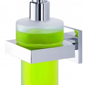 Dozownik mydła w płynie z serii Items marki Tiger z zielonym mydłem. Fot. Tiger/Coram.