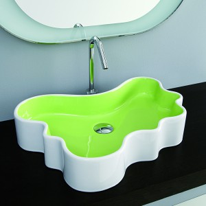 Umywalka w kształcie kleksa Splash Mini producent Disegno. Fot. Disegno/Coram.