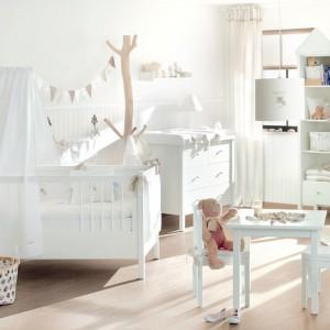 Pokój niemowlaka urządzony w skandynawskim stylu. Fot. Annette Frank.