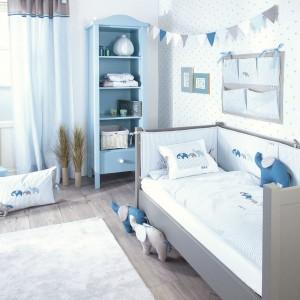 Niebieski pokój urządzony z wykorzystaniem motywu słonia. Fot. Annette Frank.
