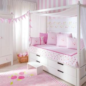 Różany pokój dla dziewczynki. Fot. Annette Frank.
