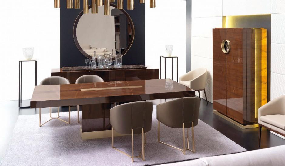 Przy dużym, eleganckim stole można urządzić ucztę nawet na 10 osób. Fot. Mobil Frenso.