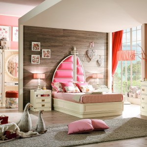 Pokój księżniczki w pomarańczowo-kremowym wydaniu. Fot. Cameretta Ariel.