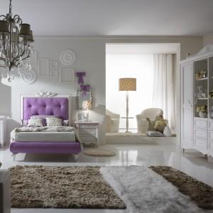 Wystrój z użyciem dekoracyjnych mebli nie wymaga dużej ilości dodatków. Fot. Ferretti.