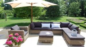 Są romantyczne, przytulne i komfortowe. Rattanowe meble ogrodowe łączą tradycję z nowoczesnością, zapewniając przy tym niepowtarzalne chwile na świeżym powietrzu.<br /><br />