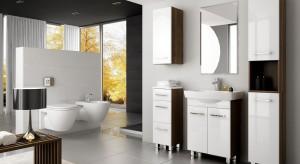 Niezależnie, czy nasza łazienka jest utrzymana w jasnej czy ciemnej kolorystyce, praktyczny komplet białych mebli z pewnością idealnie się do niej dopasuje, tworząc wygodne miejsce przechowywania drobiazgów.