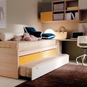 Praktyczne szuflady w łóżku oznaczono żółtym kolorem.  Fot. Doimo Cityline.