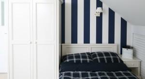 Błękitmorza i szum fal, może stać się inspiracją do aranżacji naszej sypialni. Przedstawiamy tkaniny, dodatki, tapety, które pomogą stworzyć we wnętrzu nadmorską, wakacyjną atmosferę!