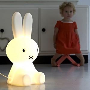 Lampa Miffy marki Mr Maria w rozmiarze S. Fot. Mr Maria.