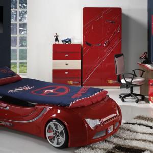 Łóżko w formie samochodu z pewnością wzbudzi zachwyt dziecka. Fot. Istikbal.